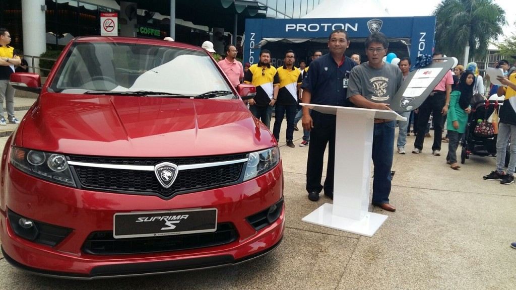 En Norzahid Zahudi, CEO of PROTON Edar launching the contest