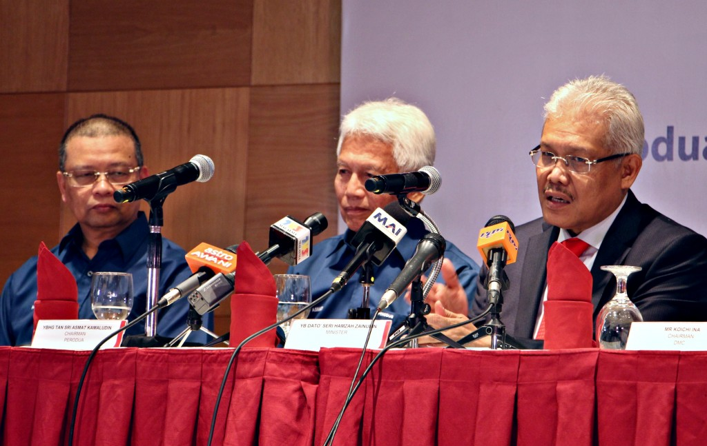 Perodua chairman Tan Sri Asmat Kamaludin (centre) said that a company will be able to export profitably if it reports solid business performance domestically.