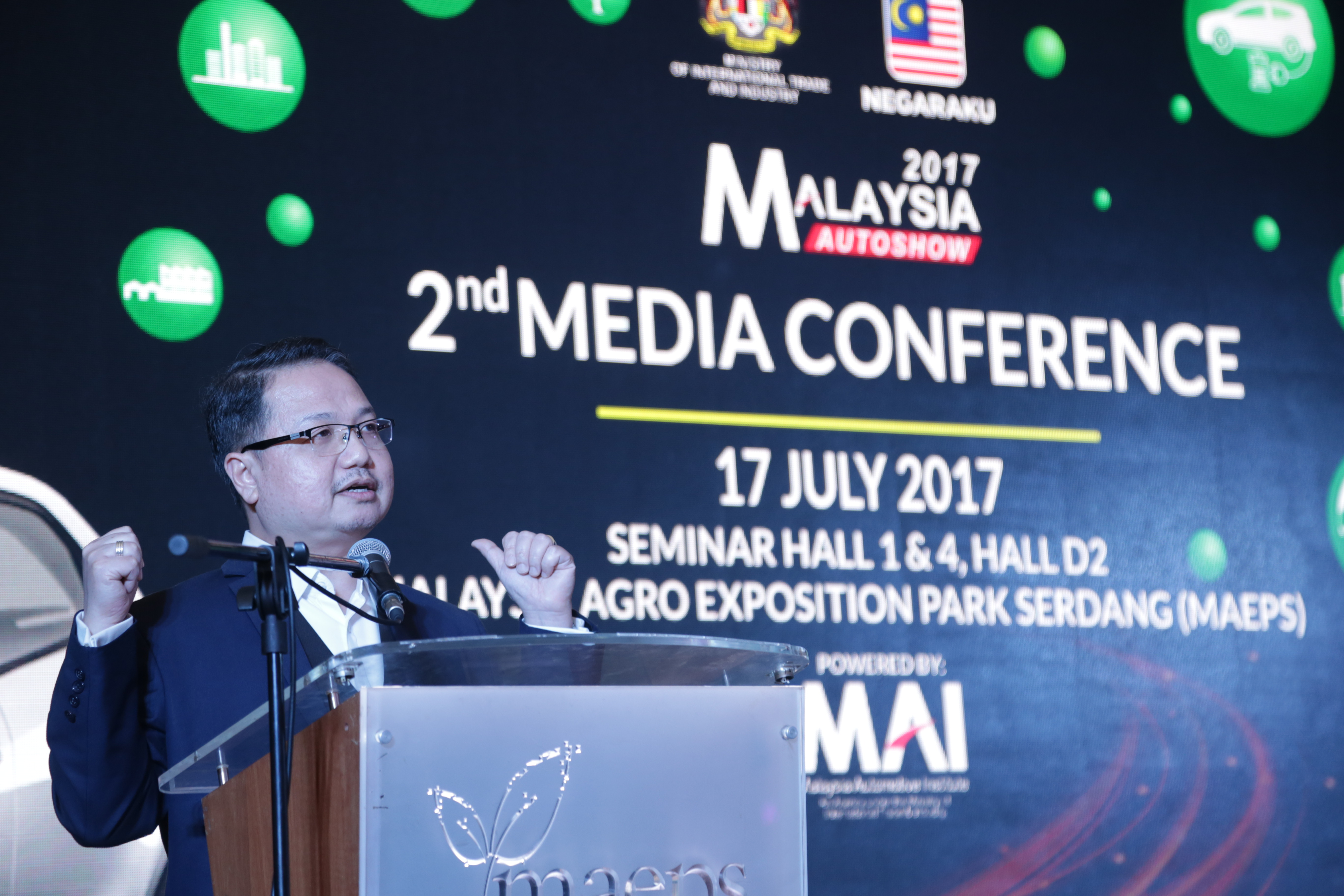 Malaysia Automotive Institute's chief executive officer Dato' Madani Sahari delivering his speech during the Malaysia Autoshow 2017 Second Media Conference.