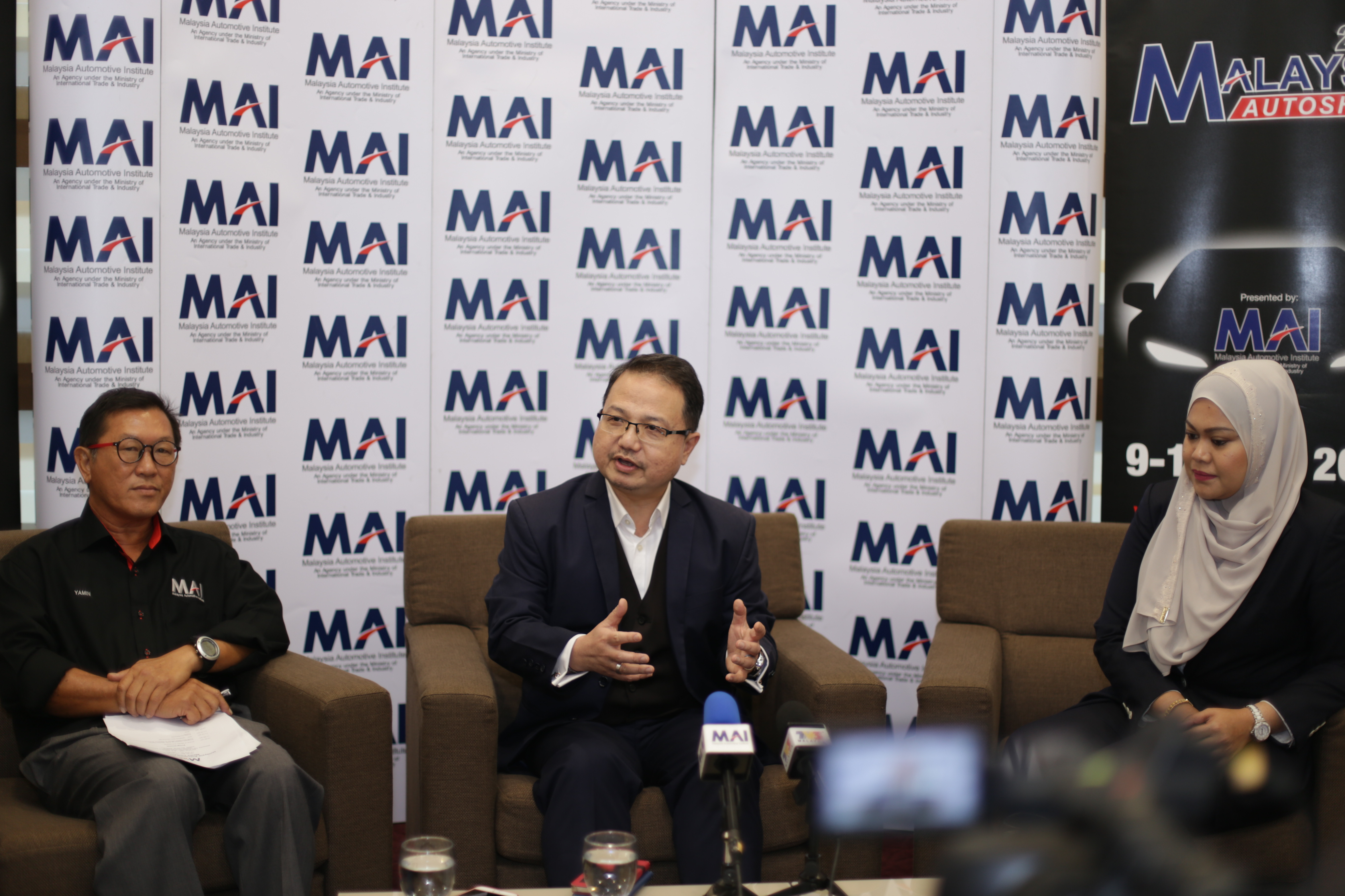 Malaysia Autoshow 2017's co-organiser Yamin Vong, Malaysia Automotive Institute's chief executive officer Dato' Madani Sahari and MAEPS chief operating officer Norafizah Rahman updating the media on the progress of the Malaysia Autoshow 2017.